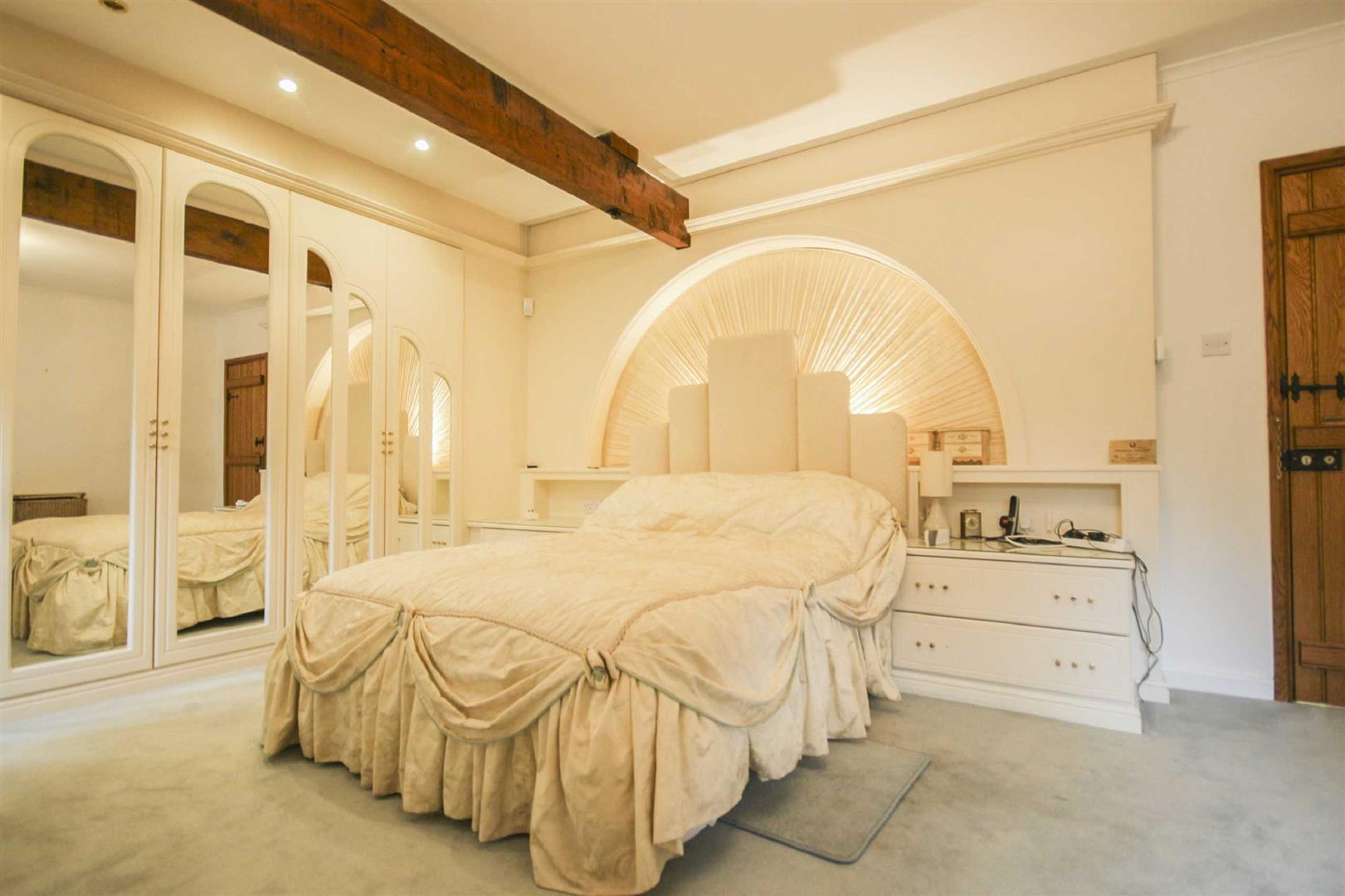 3 Bedroom Barn Conversion For Sale - Image 7